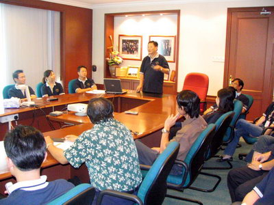 About 20 staff of Naim Cendera group attended a Corporate Briefing session on October 15 at the Conference Room of Wisma Naim and was conducted by the group's Chief Financial Officer, Ricky Kho. Also present during the inaugural function was Encik Michael Bujang and Encik Anthony Candrick, two of the dealer representatives from OSK Securities Bhd.