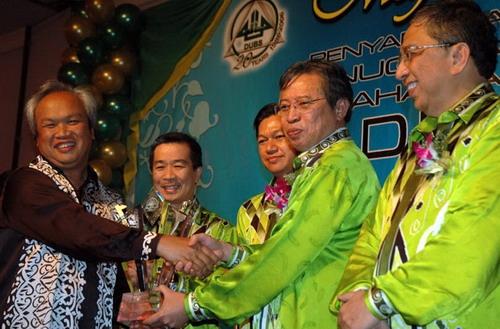 Anugerah Usahawan Bumiputera 2005/2006, Kategori Anugerah Presiden, YBhg. Datuk Hasmi Bin Hasnan