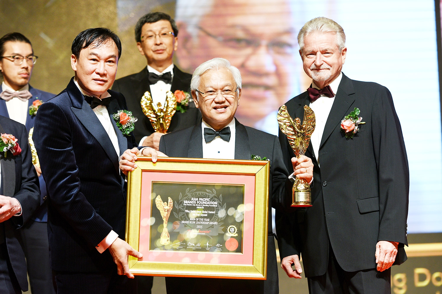 Our Chairman, Datuk Amar Hamed Sepawi adjudged BrandLaureate's 'Man of the Year' Brand Icon Leadership Award 2015