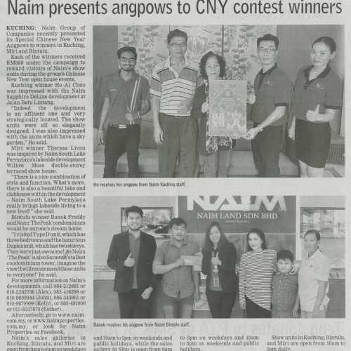 Naim presents angpows to CNY contest winners